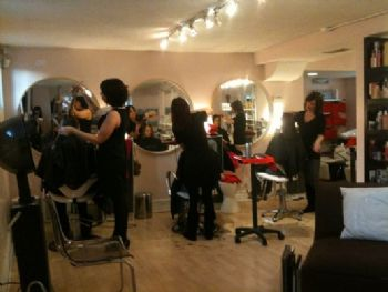 This Chicago salon attracted coupon-wielding customers in droves, but couldn't keep up.