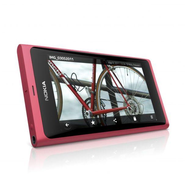 Nokia Unveils N9 Smartphone Using MeeGo