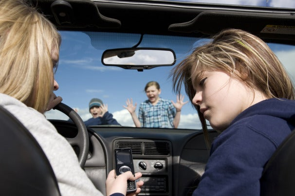 35 Percent of College Students Use Apps While Driving