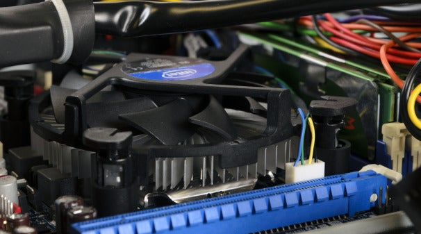 See how the CPU cooler is shorter than the DRAM module behind it? That's low profile.