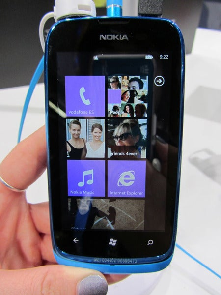 First Look: Nokia 808 PureView and Lumia 610 Smartphones