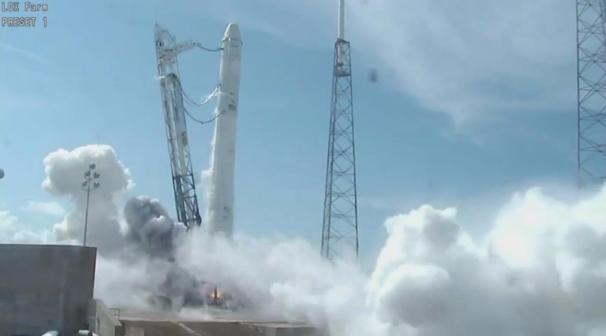 SpaceX tests Falcon 9's engines, Credit: SpaceX