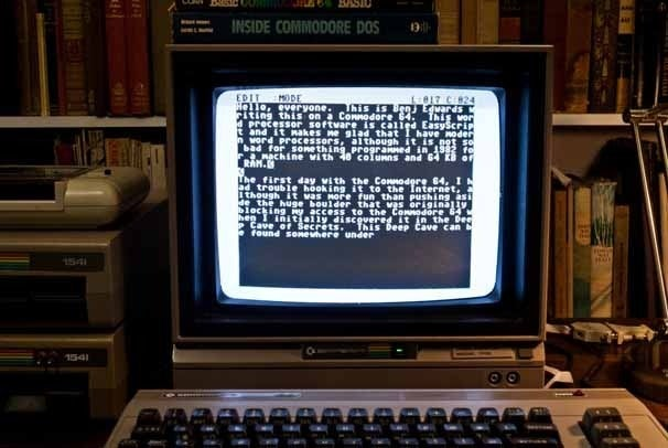 Word processing on the Commodore 64 with Easy Script