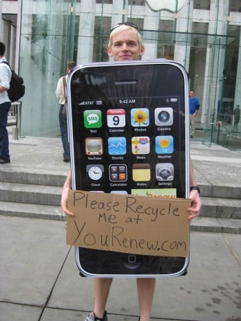 fortune blogger philip elmer dewitt spotted this eco conscious iphone evangelist in new york the apple themed crusader was reminding us to think about the - Apple Halloween Costumes