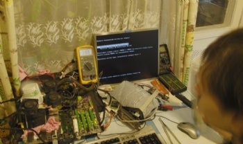 The overclocking setup. Image credit: TiN on XtremeLabs.org