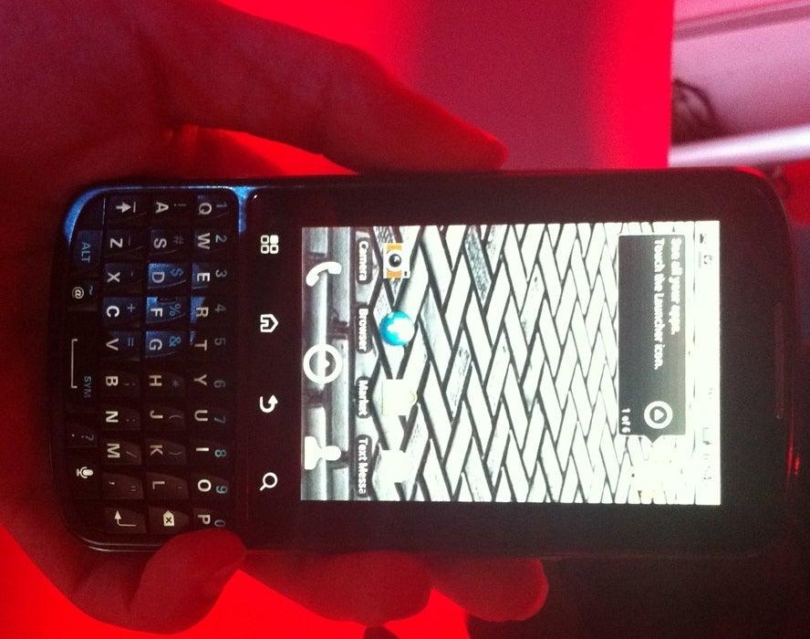 Motorola Droid Pro, a BlackBerry Killer? Hands-On Comparison | PCWorld
